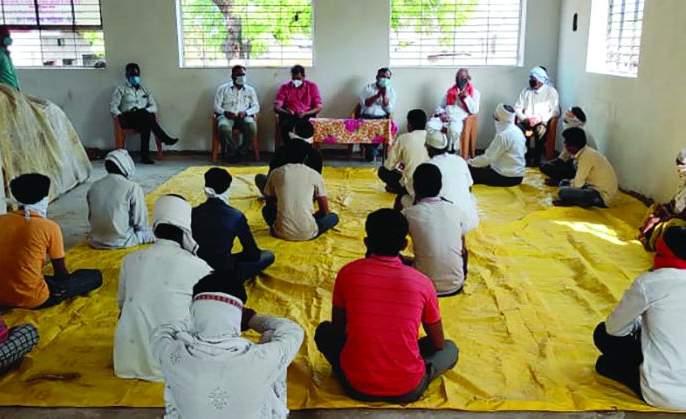 78 out of 150 participants in the funeral were corona positive in Buldhana District | अंत्यसंस्कारात सहभागी १५० पैकी ७८ जण कोरोनाबाधित; अख्खे पोटा गाव कंटेन्मेंट झोन