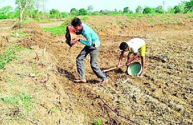Farmers ready for sowing of Kharif | खरीपाच्या पेरणीसाठी शेतकरी सज्ज