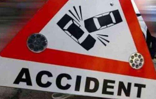One killed in tractor collision   ट्रॅक्टरच्या धडकेत तळोद्यात एक ठार