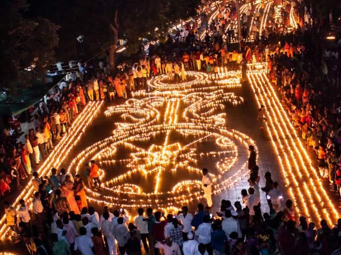 Parbhani: Bright light of 3,000 lamps | परभणी : ५१ हजार दिव्यांनी उजळला परिसर