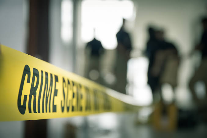Crime News : Shocking! Murder of by friend due to former issue; incident in Bhavani Peth   Crime News : धक्कादायक! पूर्ववैमनस्यातून चाकूने वार करत मित्रानेच केला खून,भवानी पेठेतीलघटना