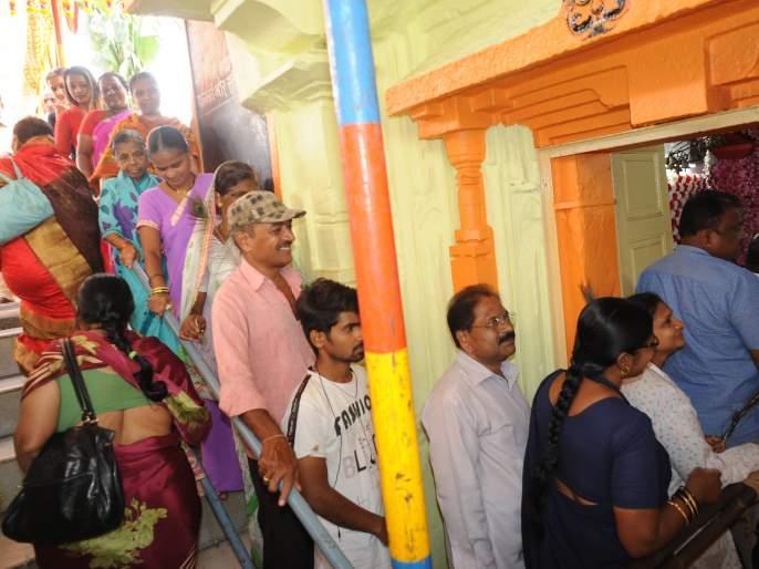 Devotees take advantage of Kartik Darshan | भाविकांनी घेतला कार्तिक दर्शनाचा लाभ