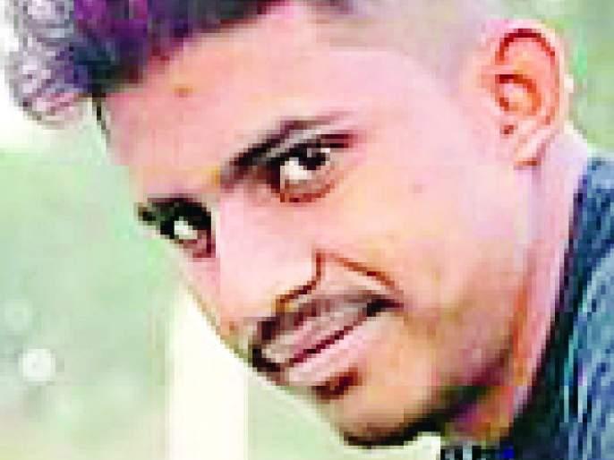 Young boy dies after being crushed by ST   एसटीने चिरडल्याने तरुणाचा मृत्यू