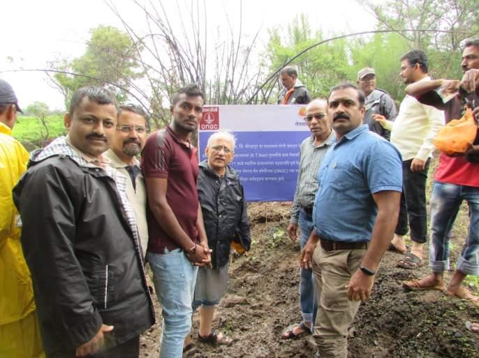 Release of various water conservation works at Basge   सामाजिक बांधिलकीतुन बसर्गे येथे विविध जलसंधारण कामाचे लोकार्पण