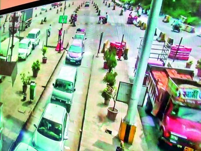 The only option is to delete Khed-Shivapur toll plaza   खेड-शिवापूरचा टोलनाका हटविणे हाच पर्याय