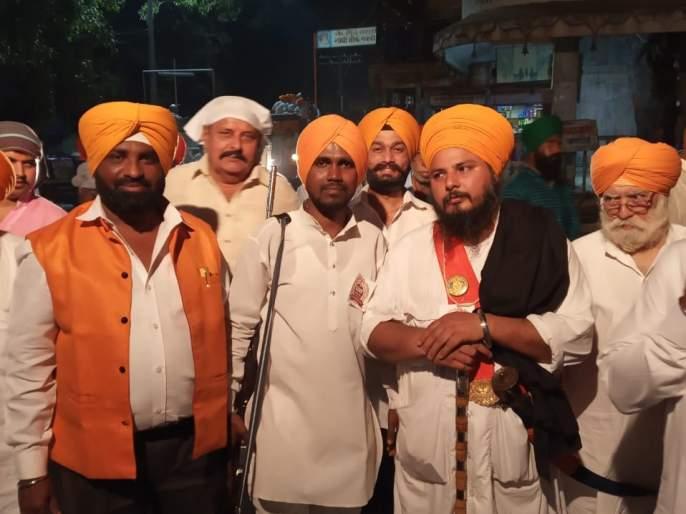 On the occasion of Guru Nanak's birth anniversary, Manmad had a religious program   गुरु नानक जयंती निमित्त मनमाडला धार्मिक कार्यक्र म