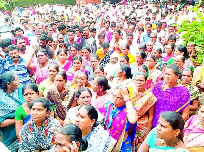 Citizens clash on Sindhi municipal corporation | सिंदी (रेल्वे) पालिकेवर नागरिकांची धडक