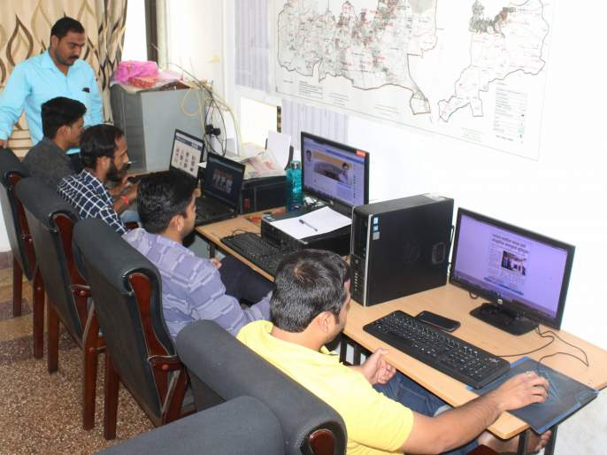 Online campaign for Kolhapur Lok Sabha constituency | कोल्हापूर लोकसभा मतदारसंघात प्रचाराची आॅनलाईन धुळवड