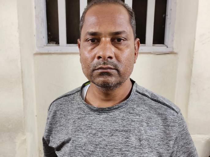 Shahupuri police seized four forts of cannabis   शाहूपुरी पोलिसांनी पकडला चार किलाे गांजा