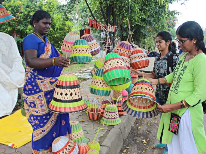 The purchase of Diwali in the course of promotion   Diwali : प्रचाराच्या रणधुमाळीत दिवाळीच्या खरेदीची लगबग