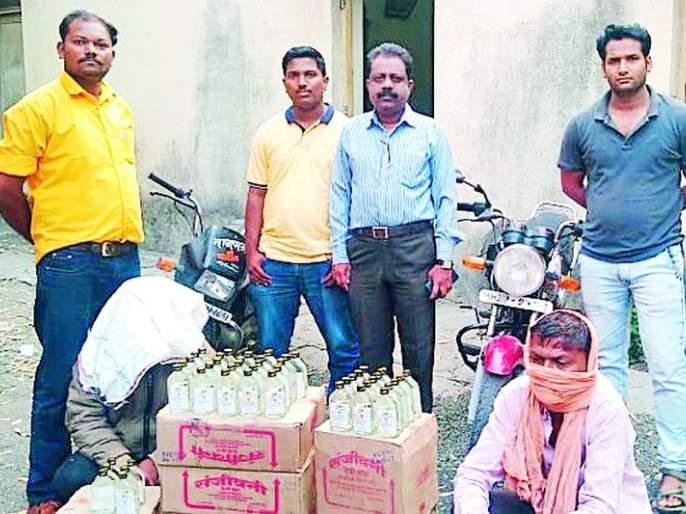Country liquor was caught on the Malkhed to Anjangaon Bari route | मालखेड ते अंजनगाव बारी मार्गावर देशी दारू पकडली