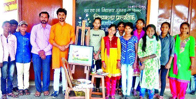 Painting demonstration competition at Gulvanch Yogi School | गुळवंच योगी विद्यालयात चित्रकला प्रात्यक्षिक स्पर्धा