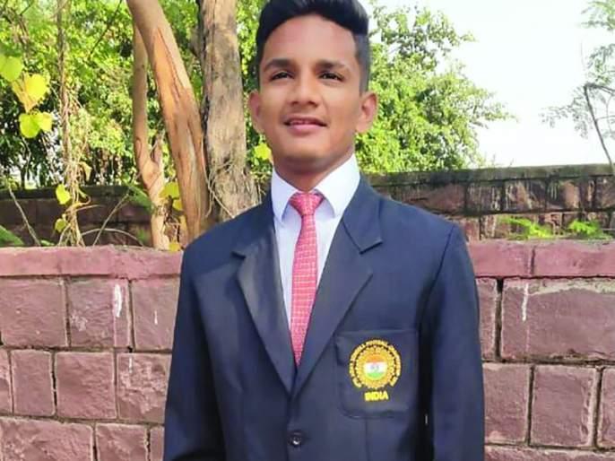 Akola's Sufian in India team for Asian football tournament | आशियाई फुटबॉल स्पर्धेत अकोल्याचा सुफीयान करणार भारताचे प्रतिनिधित्व
