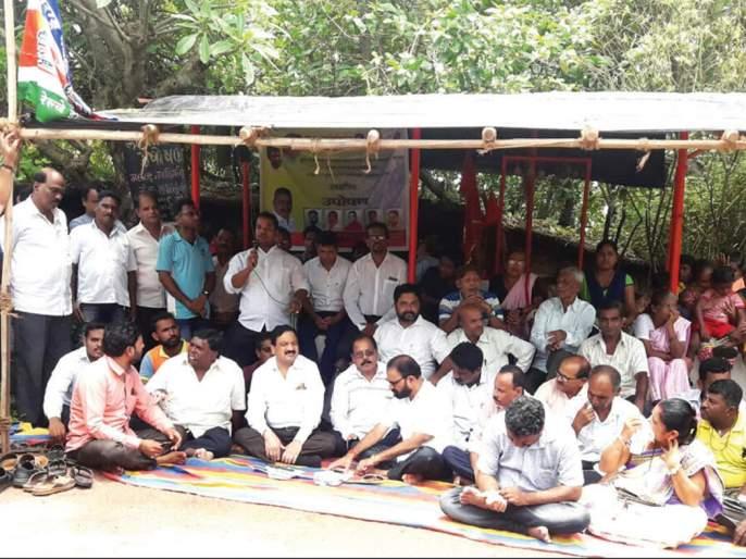Fasting of MNS in Malwa; | मालवणात मनसेचे उपोषण, सत्ताधाऱ्यांवर उपरकर यांनी डागली तोफ