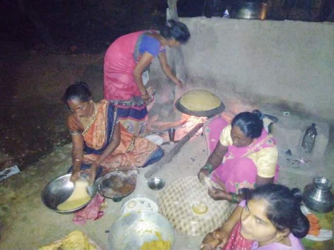 Demand for khapra thighs on the occasion of Adhikamas | अधिकमास निमित्ताने खापराच्या मांड्यांना मागणी
