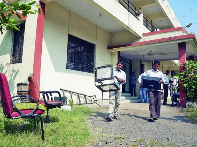The seizure of the Mahavitaran Office in Nagpur was finally avoided   नागपुरातील महावितरण कार्यालयावरील जप्ती अखेर टळली