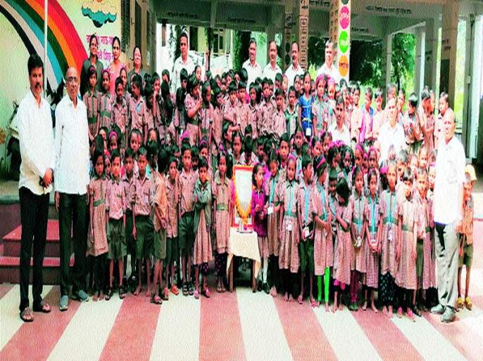 Various programs for children's day in schools   शाळांमध्ये बालदिनानिमित्त विविध कार्यक्रम