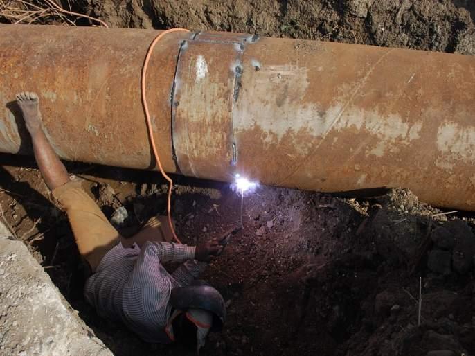 The MIDC water works are underway   एमआयडीसी जलवाहिनी दुरुस्तीचे काम सुरु