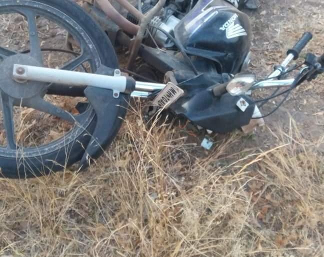Two killed in accident near Savard | मृतदेह रात्रभर पडून ; सावर्डेजवळ अपघातात महिलेसह दोन ठार