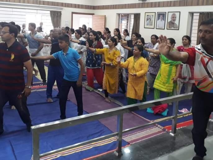 'Tai-Chi' Yoga Workshop at Chikode Library | चिकोडे ग्रंथालयामध्ये 'ताई-ची' योग कार्यशाळा