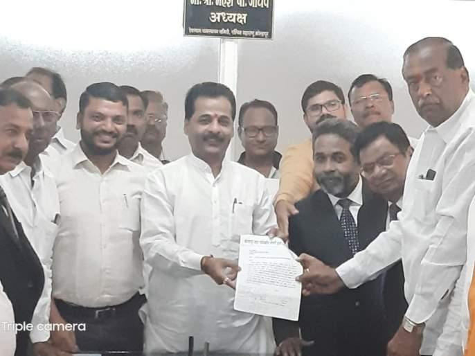 Devasthan should fund roads, a statement from the All-Party Action Committee | देवस्थानने रस्त्यांसाठी निधी द्यावा,सर्वपक्षीय कृती समितीचे निवेदन