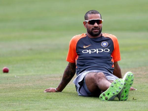 ICC World Cup 2019: Good news for India; Shikhar Dhawan can be fit within 10 days   ICC World Cup 2019 : भारतासाठी गूड न्यूज; शिखर धवन 10 दिवसांमध्ये होऊ शकतो फिट