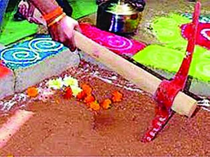 Graund Report : Bhoomipujana rush of marriage hall without opening the tender at Mehkar | Graund Report : डोणगावात निविदा न उघडताच शादीखाना भूमिपूजनाची घाई!