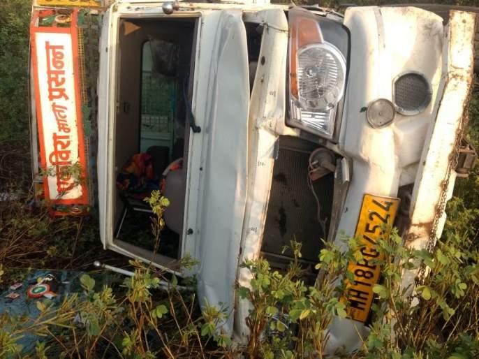 A re-victim of a ditch on the highway | महामार्गावर खडड्याचा पुन्हा एक बळी