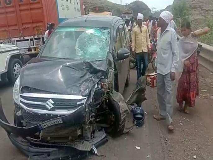 Two killed in accident   अक्कलपाडानजीक अपघातात दोन ठार