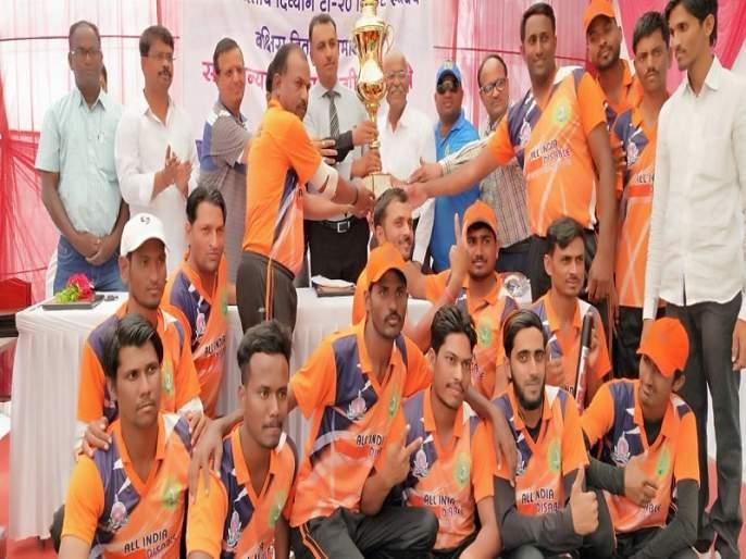 Maharashtra won Cricket tournaments | महाराष्ट्राने जिंकली अ.भा. क्रिकेट स्पर्धा