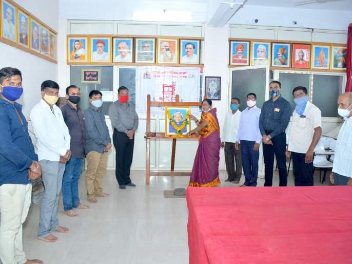The late President Dr. Kalam Jayanti celebrated as a reading day in Satna | दिवंगत राष्ट्रपती डॉ. कलाम जयंती सटाण्यात वाचन दिवस म्हणून साजरी