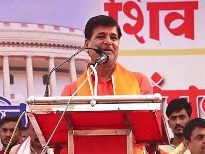Strongly oppose to chief minister uddhav thackrey nashik tour of tommorow: Vinayak Mete | ....म्हणून मुख्यमंत्री उद्धव ठाकरेंच्या उद्याच्या नाशिक दौऱ्याला तीव्र विरोध करणार : विनायक मेटे