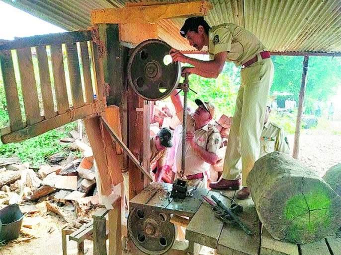 Illegal Saw Mill Destruction In Mt.   मातोरीत अवैध सॉ मिल उद्ध्वस्त