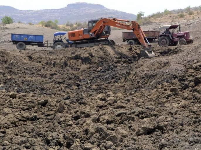 153 lakes in Dhule district will be free of all | धुळे जिल्ह्यातील १५३ तलाव होणार गाळमुक्त