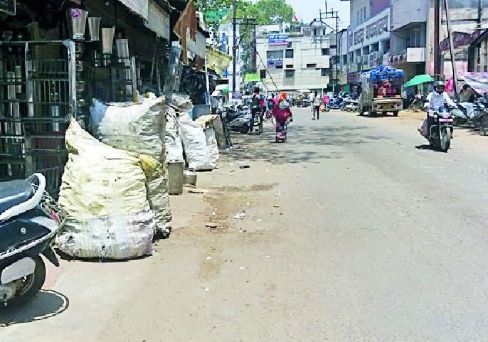 After the removal of encroachment, the situation was again 'like' | अतिक्रमण हटाव मोहिमेनंतर पुन्हा 'जैसे थे' स्थिती