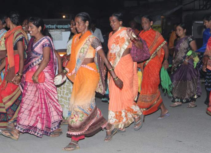 Thousands of devotees towards Rajureshwara ... | राजुरेश्वराच्या दर्शनासाठी हजारो भाविकांची पायी वारी...