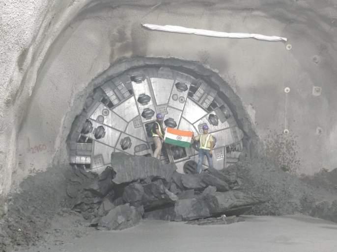 Metro-3 : Tunnel completed between Churchgate to Hutatma Chowk station | मेट्रो-३ : चर्चगेट ते हुतात्मा चौक स्थानकादरम्यान बोगदा तयार
