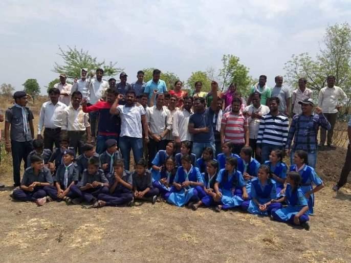 Shramdan of Ranjangaon students   रांजणगावच्या विद्यार्थ्यांचे श्रमदान