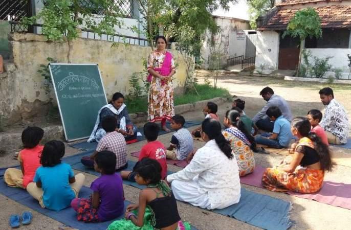 The work of the Anganwadis in the state is going to be paperless | राज्यातील अंगणवाड्यांचे काम मेपासून होणार पेपरलेस