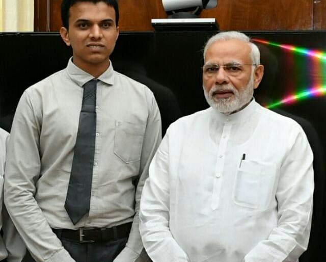 Rickshawkala's son blows on National Youth Awards | रिक्षा चालकाचा मुलगा ठरला युवा पुरस्काराचा मानकरी; महाराष्ट्राच्या पुत्राची अभिमानास्पद भरारी