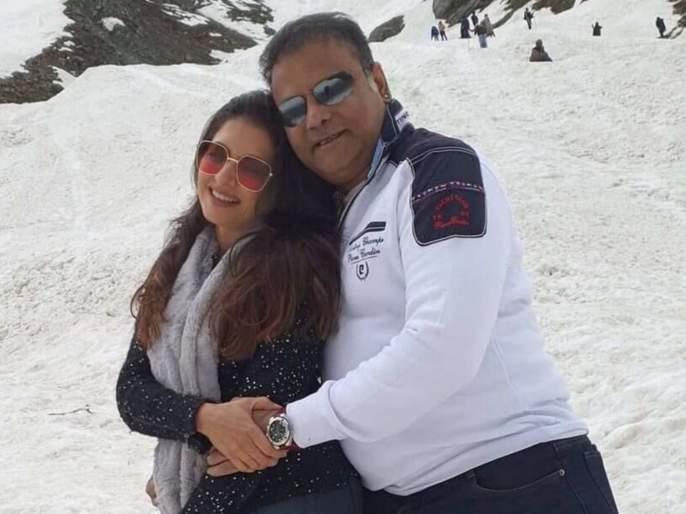Bhagyashree performs romantic dance to Sridevi's song with her husband in Barfal Dongar, watch video | बर्फाळ डोंगरात भाग्यश्रीने नवऱ्यासोबत श्रीदेवीच्या गाण्यावर केला रोमँटिक डान्स, पहा व्हिडीओ