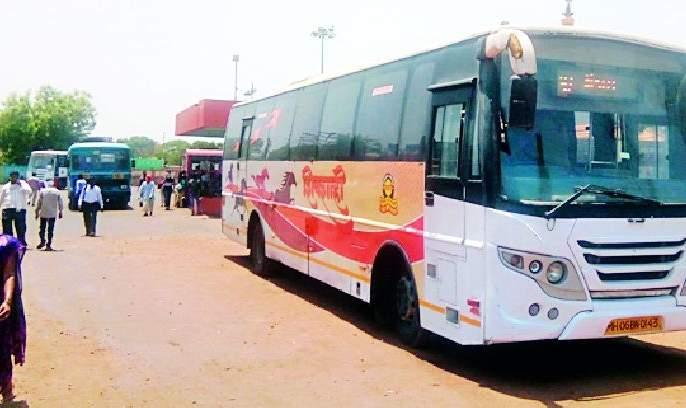 Supply of buses that ask for school trips | शालेय सहलीसाठी मागेल तेवढ्या बसेसचा पुरवठा