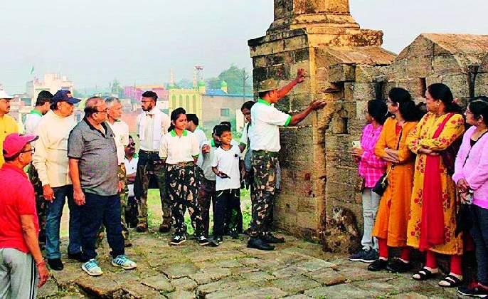 The message of conservation of heritage from fort tourism | किल्ला पर्यटनातून वारसा संवर्धनाचा संदेश
