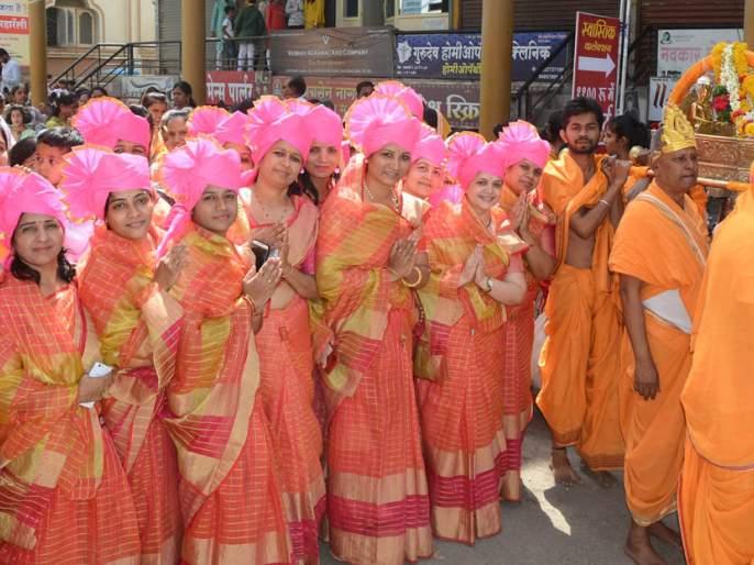 The city of Jalna, the city of Jalna, is surrounded by 'Jay Mahavir' | 'जय महावीर'च्या जयघोषाने दुमदुमलेजालना शहर