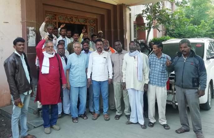 Union government's decision to close market committees is unfortunate: Aadhav | बाजार समित्या बंद करण्याचा केंद्र शासनाचा निर्णय दुर्दैवी : आढाव