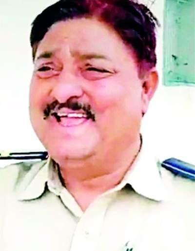 Death of a policeman on duty   कर्तव्यावर असलेल्या पोलीस शिपायाचा मृत्यू