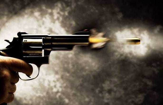 Thrilling! Afternoon shooting near Pune Police Commissionerate Murder of a builder   थरारक ! पुणे पोलीस आयुक्तालयाजवळ भर दुपारी गोळीबार; बांधकाम व्यावसायिकाचा खून