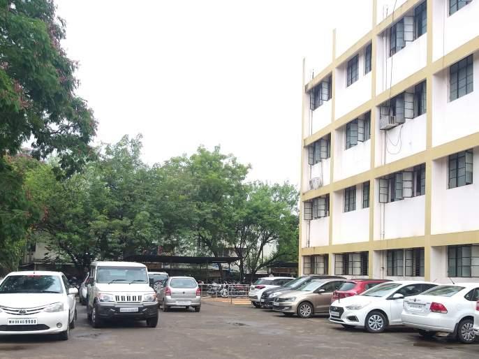 Zilla Parishad's announcement: Distributing Adarsh awards to over 20 teachers | जिल्हा परिषदेची घोषणा : तब्बल २० शिक्षकांना आदर्श पुरस्कारविभागून