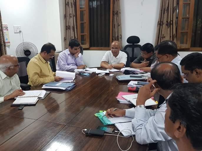 The Kolhapur collector's office is buzzing again | कोल्हापूर जिल्हाधिकारी कार्यालय पुन्हा गजबजले