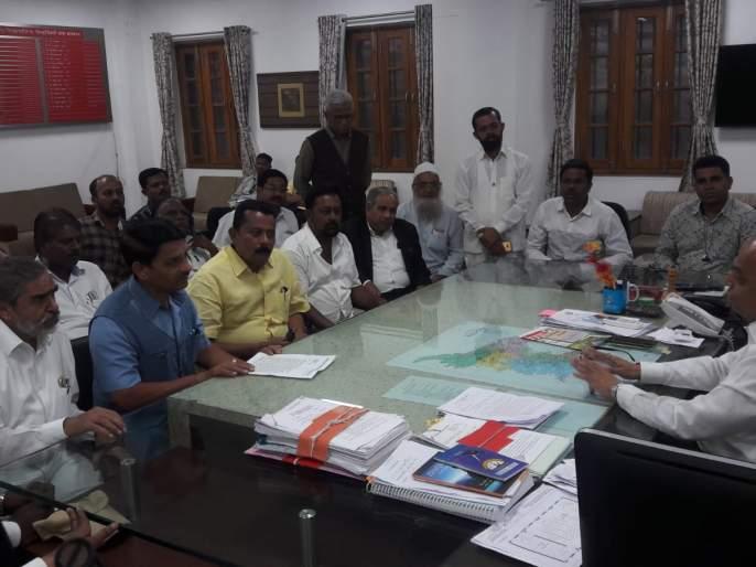 Six crores demand for roads in Kolhapur | कोल्हापुरातील रस्त्यांसाठी सहा कोटींची मागणी --:दौलत देसाई